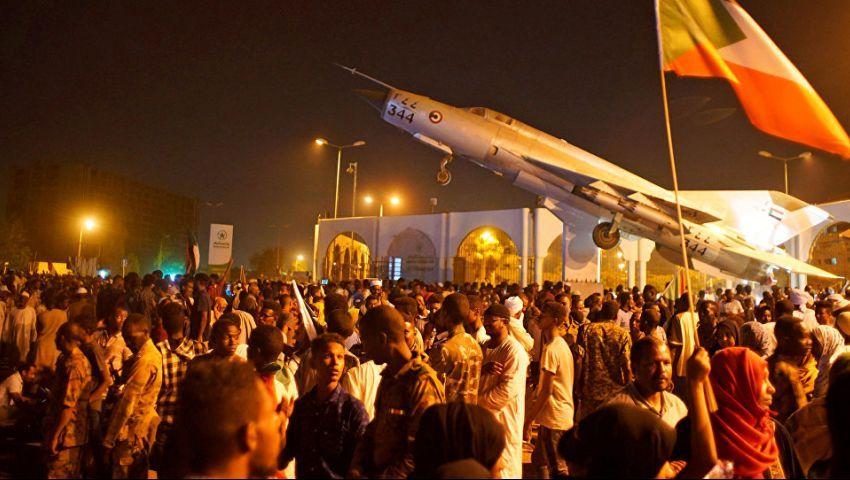 السودان  تنديد «تويتري» باقتحام اعتصام القيادة العامة.. ومغردون: «كل الشوارع دم»