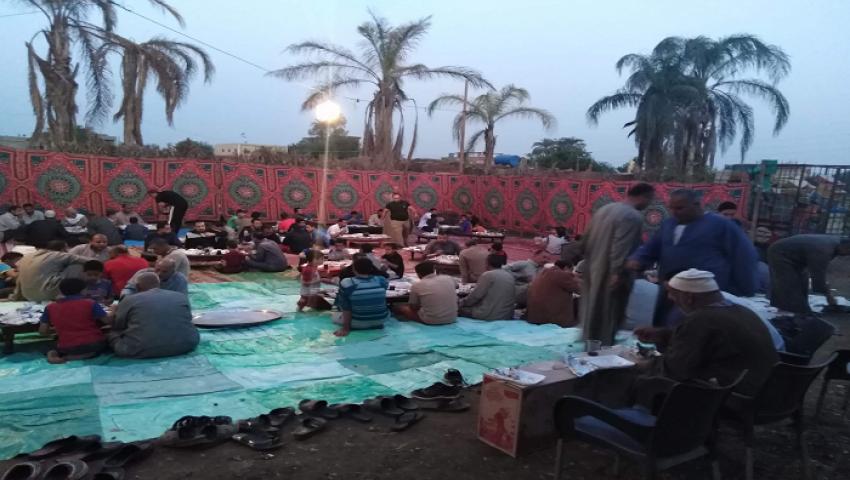 المصريون نسيج واحد في رمضان.. و3 أشقاء أقباط  ينظمون مائدة رحمن