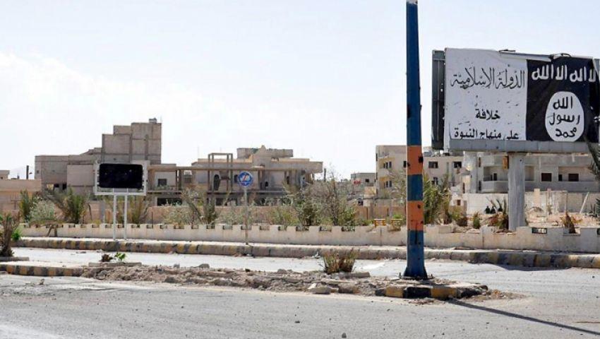 «أرض الخلافة» اختفت.. الخناق يضيق على «داعش» والمدنيون يفرون بالآلاف