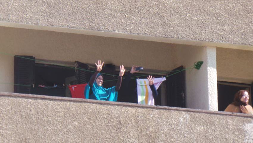 بالصور.. رابعة تملأ نوافذ المدينة الجامعية للأزهر