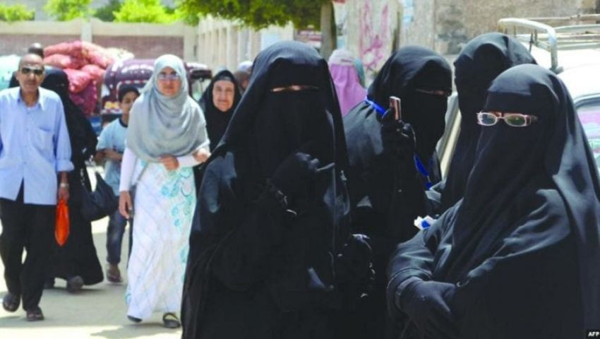 مطالب برلمانية بحظر النقاب على المعلمات بالمدارس أسوة بالجامعات