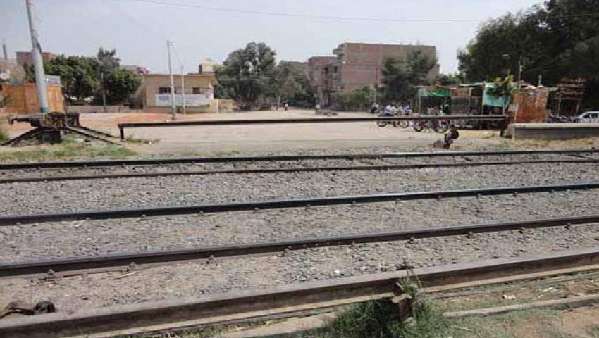 مصر توقّع اتفاقية لتطوير 50 مزلقانًا للسكة الحديد
