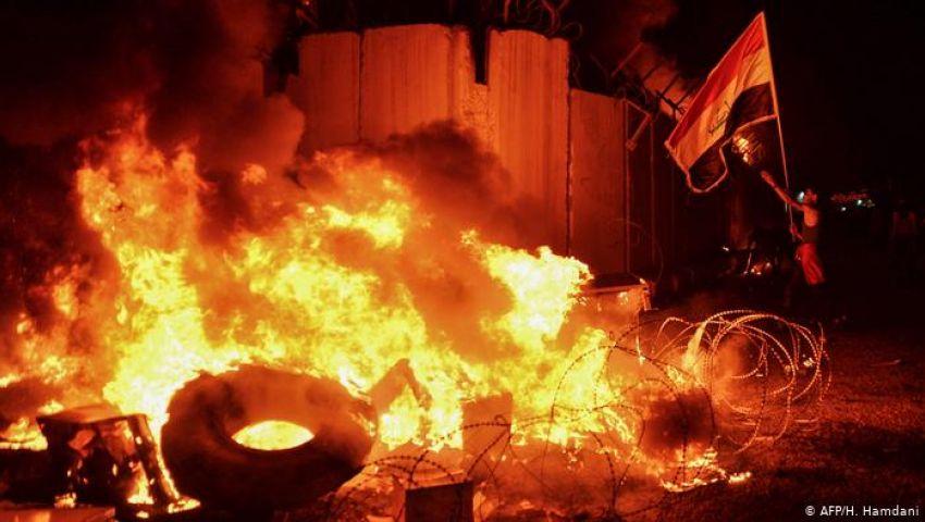 للمرة الثالثة.. محتجون يضرمون النيران بقنصلية إيران بالعراق