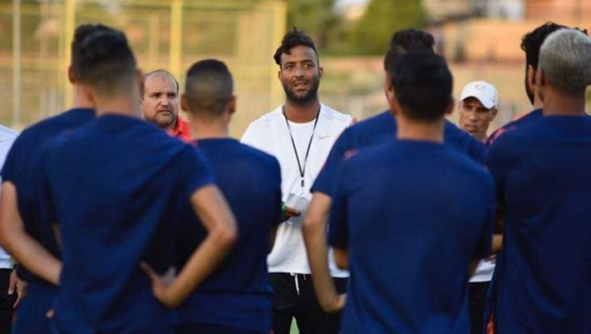 «ميكروباص» ينقل لاعبي مصر المقاصة إلى ملعب مباراة دجلة