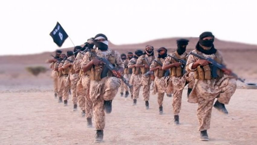 بسبب الحرب.. صراع جديد بين داعش والقاعدة في اليمن