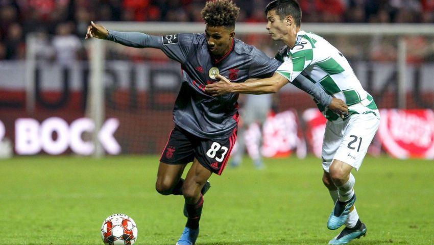 فيديو وصور|  بنفيكا يرتقي لقمة الدوري البرتغالي مؤقتا