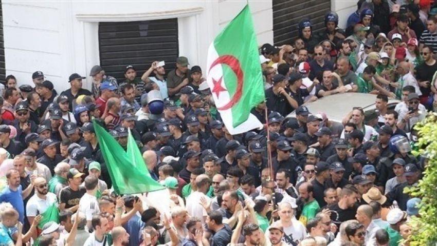 الجزئر.. تظاهرات حاشدة  رفضاً لدعوة السلطة إلى الحوار