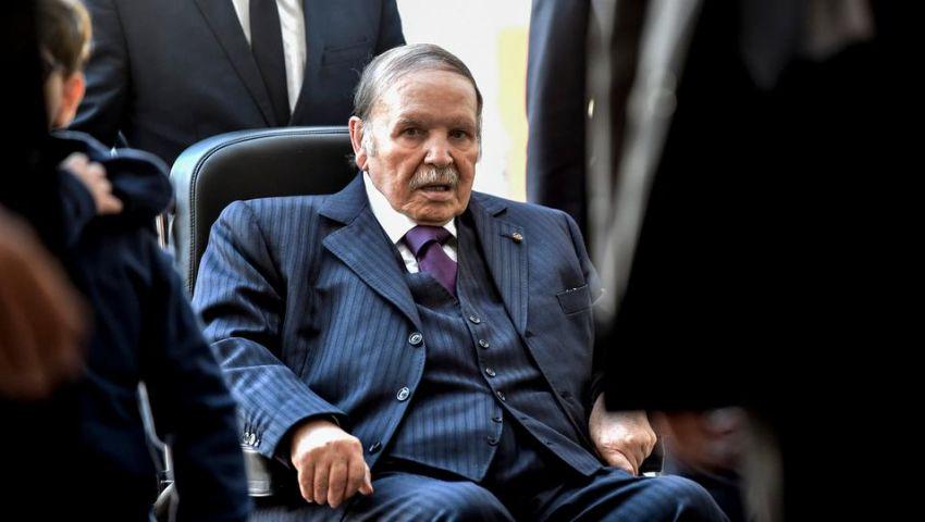 الجيش الجزائري يتخلّى عن بوتفليقة.. و«هذا» هو الرئيس المؤقت
