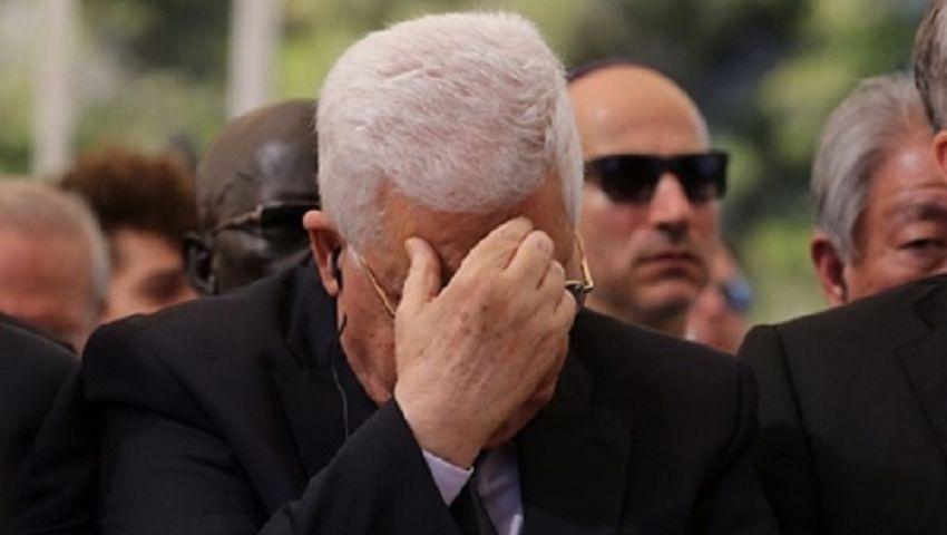 شاعر يمني يهجو عباس لبكائه في جنازة بيريز