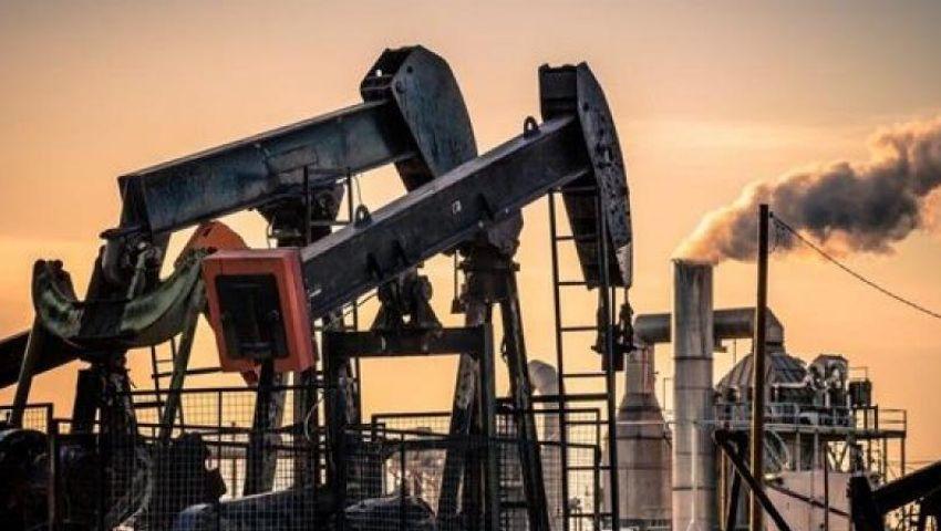 أمريكا تعلن وقف إعفاءات شراء النفط الإيراني