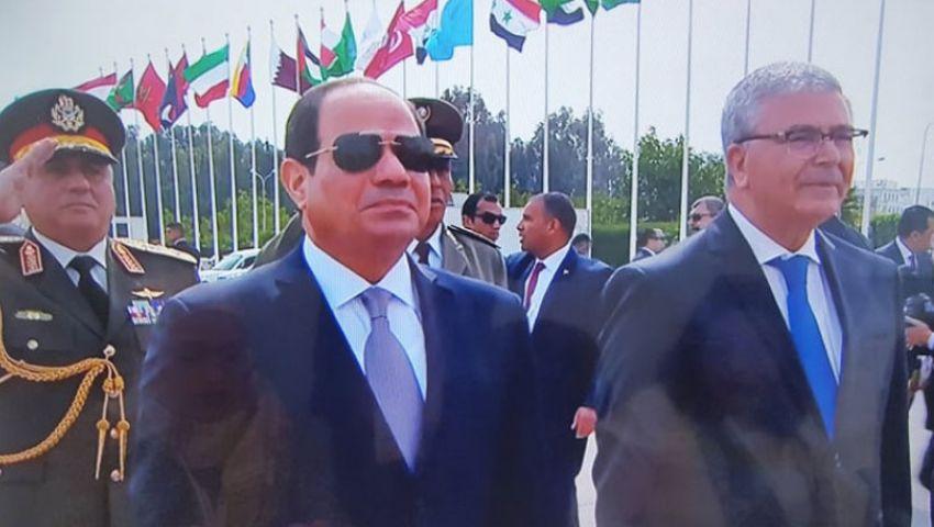 السيسي يصل مقر انعقاد القمة العربية بتونس