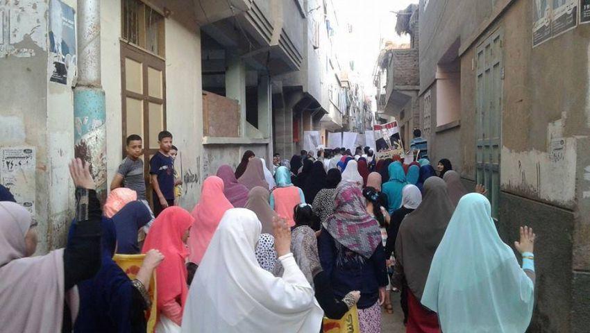 بالصور.. مسيرة لمعارضي النظام بدمياط  عقب صلاة العيد