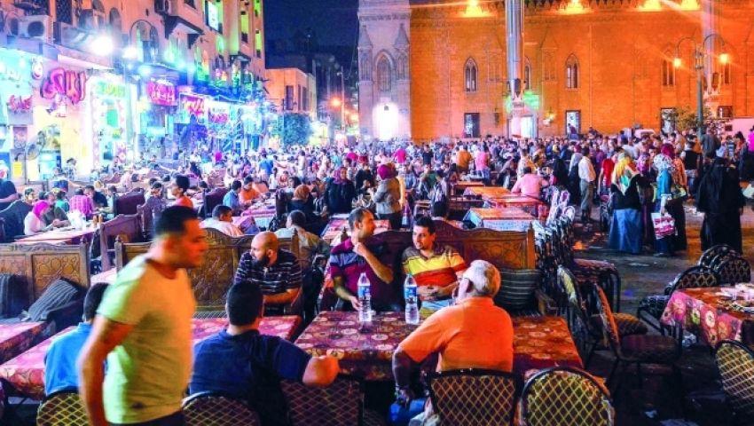 بالفيديو| في رمضان.. القاهرة ساعة الإفطار خلية نحل
