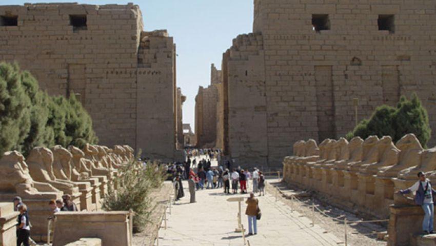 زعزوع يطالب أسبانيا بتخفيف تحذيرات السفر لمصر