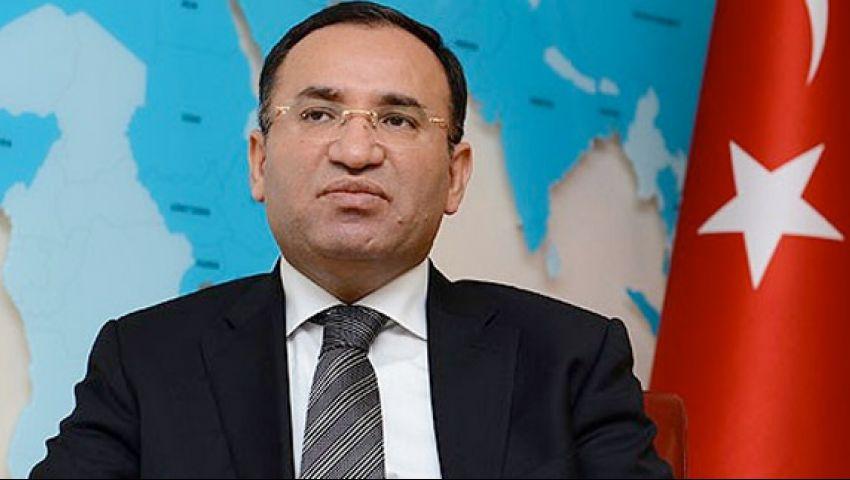 نائب رئيس الوزراء التركي ينتقد تغطية الإعلام الغربي لأحداث مصر