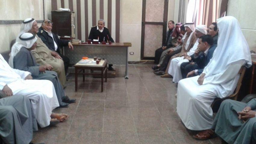 قيادات بالشرطة تعتذر لمشايخ سيناء على تصرفات بعض الضباط