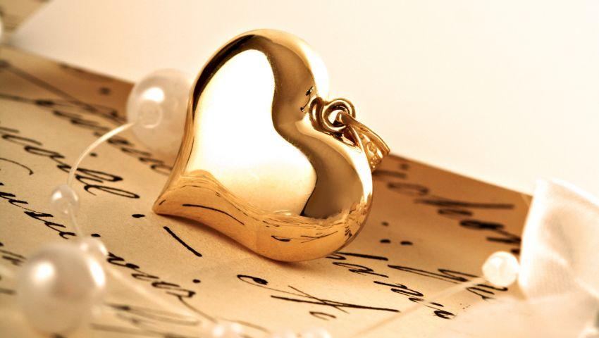 بـ8 أفكار رومانسية.. تصل إلى قلب زوجتك