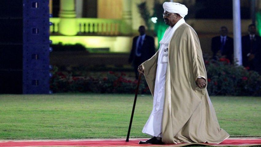 نيويورك تايمز: رغم عزله.. مصير البشير يشغل بال السودانيين
