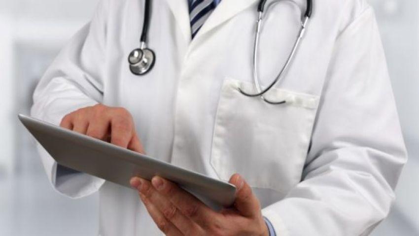 بين مؤيد ومعارض.. سجال «تويتري» بالكويت عبر هاشتاج «لا لاستقدام أطباء مصريين»