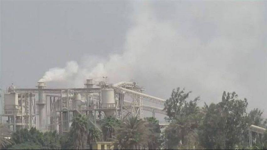 كارثة بيئية في أبوزعبل.. الأهالي تستغيث من «مصنع الموت»