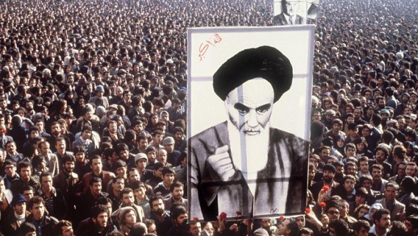 بلومبرج: إيران في حاجة إلى ثورة جديدة