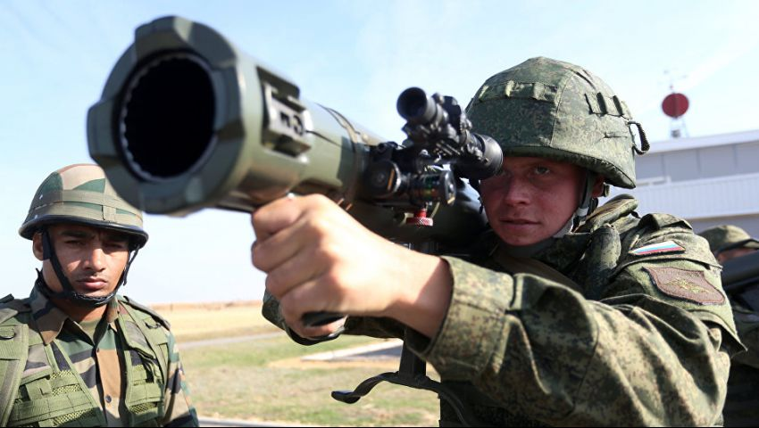في سماء موسكو.. ماذا تعرف عن حرب الدقائق الثلاث؟