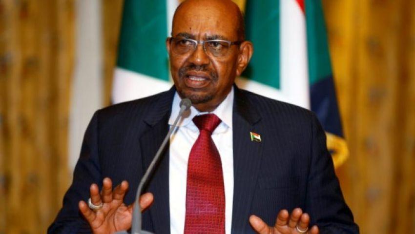 الحكومة السودانية تكشف حقيقة تسليم «البشير» السلطة للجيش