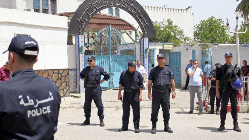 الجزائر.. «كورونا» يعزل السجناء الجدد 14 يومًا ويعلق الزيارات