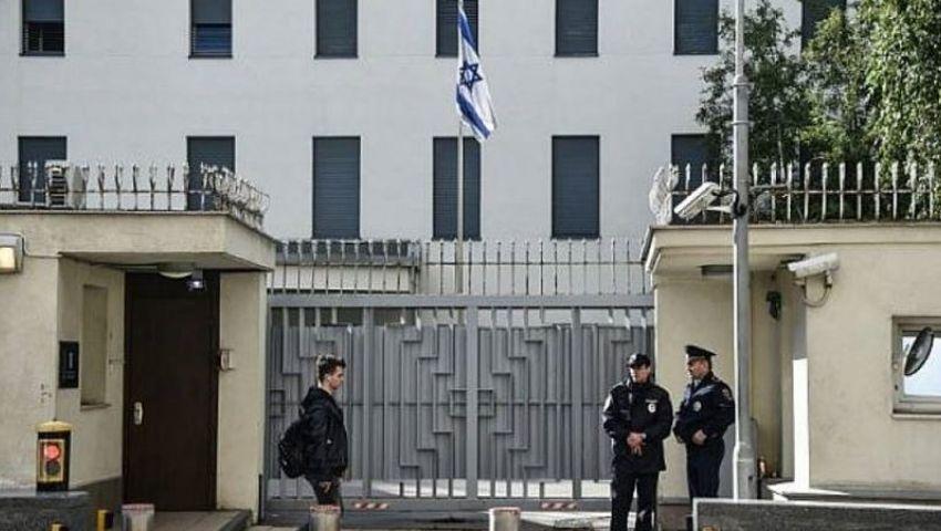 بعد اغتيال فخري زاده.. حالة تأهب قصوى بالسفارات الإسرائيلية تحسبا لتهديدات إيرانية