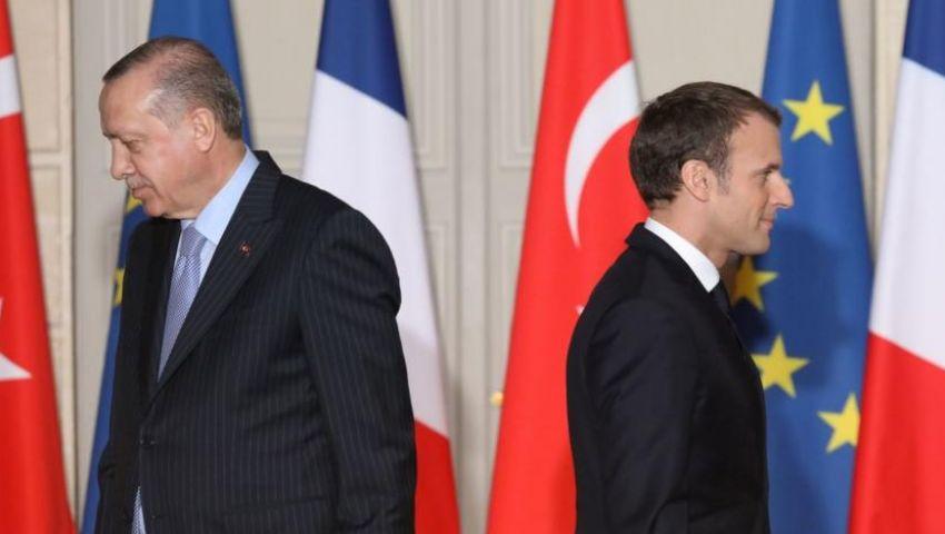 الإندبندنت: تركيا تغرق ليبيا بالأسلحة وتتفادى الصدام مع فرنسا