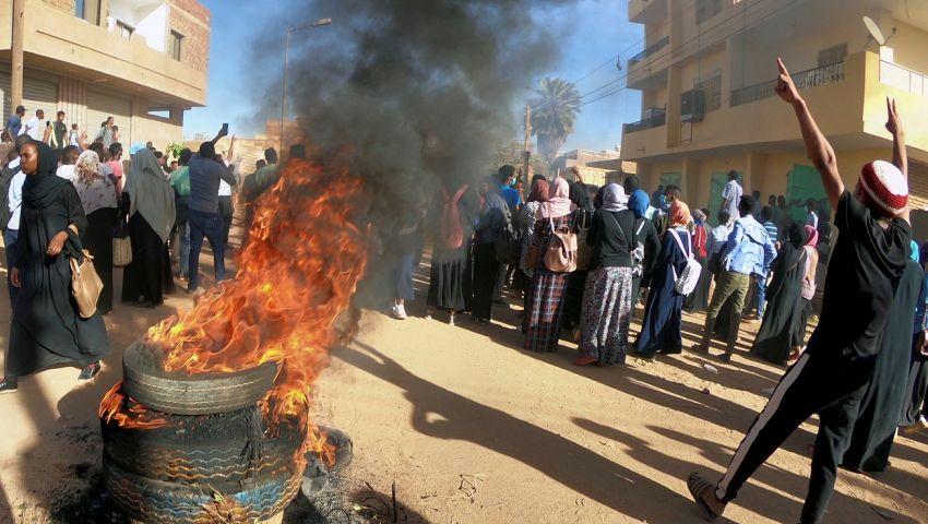تفاصيل اعتقال نجلة زعيم أكبر أحزاب المعارضة السودانية