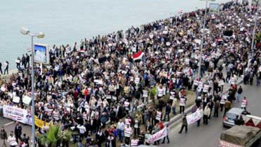 معارضون يقطعون الطرق الحيوية بالإسكندرية