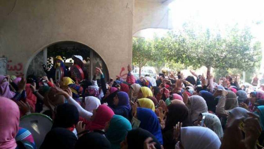 مشادات كلامية بين طالبات الأزهر وأمن الجامعة