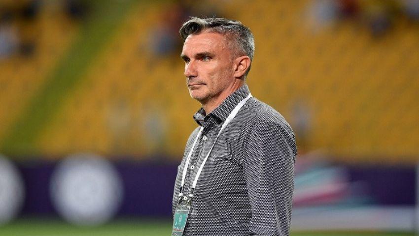 الرجاء المغربي يطيح بمدرب الأهلي الأسبق من تدريب الفريق