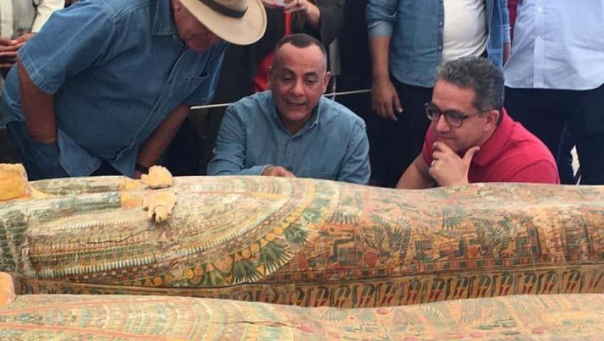 بالصور| 30 تابوتًا فرعونيا.. تفاصيل أكبر خبيئة أثرية اكتشفت في مصر