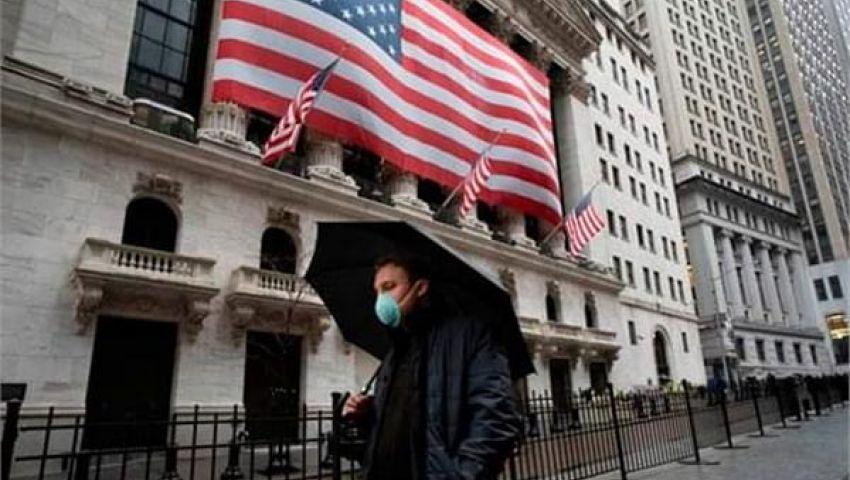 فيديو| بانكماش قدره 4.8 %.. فيروس كورونا يهوى بالاقتصاد الأمريكي