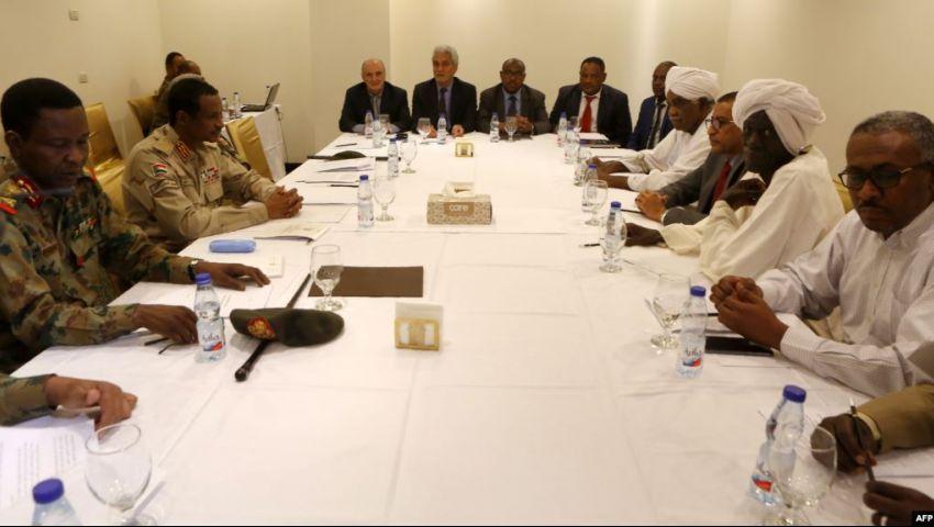 بعد جلسة مفاوضات الثلاثاء..هل يقلص العسكري السوداني نقاط الاختلاف مع المعارضة؟