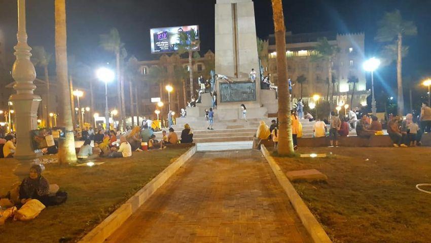 بالصور| الحدائق العامة بالإسكندرية.. مقصد البسطاء ورزق للباعة الجائلين
