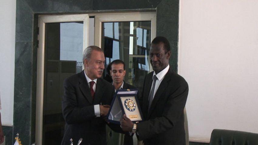 الملحق التجاري الأوغندي: نحتاج خبرة مصر في تصنيع المواد الخام