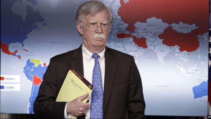 خطط وتهديدات وألغام بحرية.. هل يطلق بولتون رصاصة الحرب ضد إيران؟