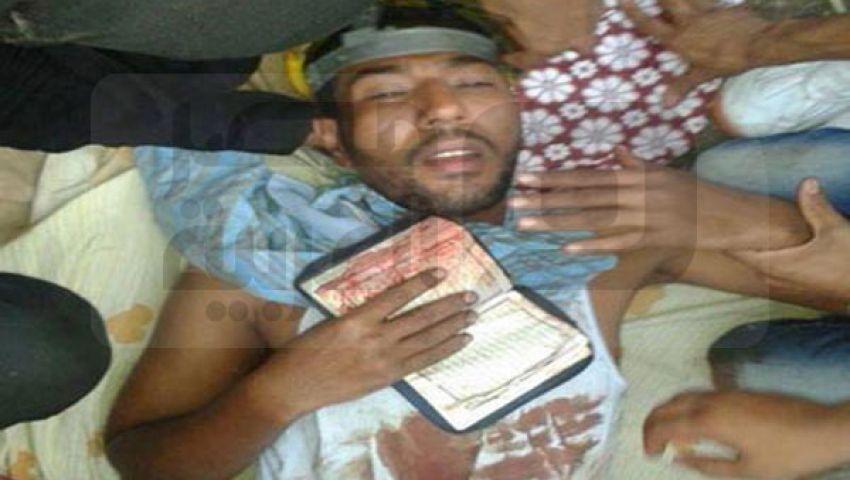 مصاب: الجيش قتل شرطيًّا قال اتركوهم ينتهوا من الصلاة