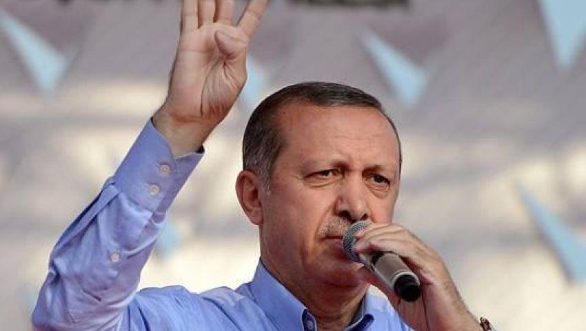 أردوغان يرفع إشارة نصر ترمز إلى ميدان رابعة العدوية
