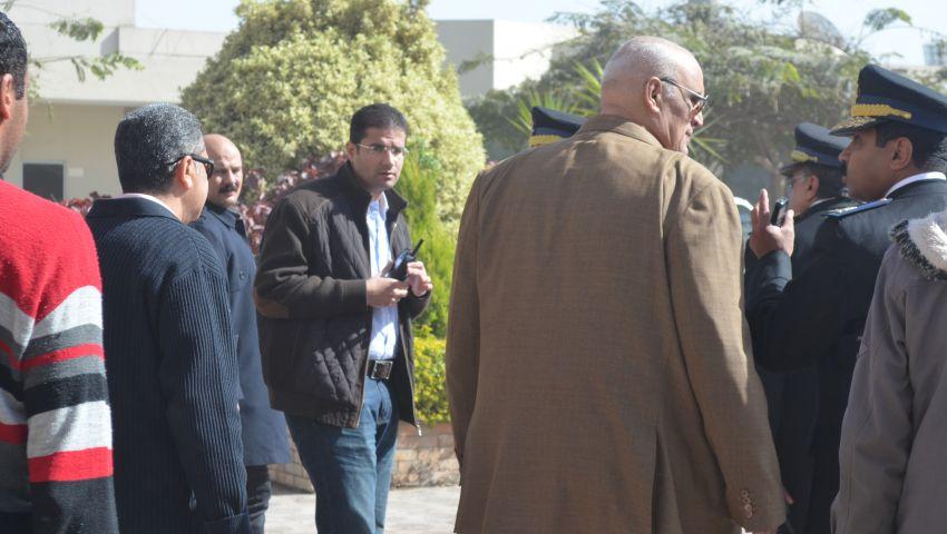 بالصور.. حكمدار القاهرة في جولة تفقديه لمعرض الكتاب