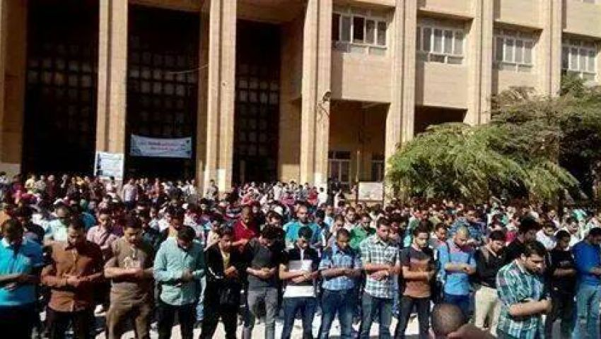 الداخلية تمنع دفن عمر الشريف.. ونشطاء: تقتلوا القتيل وتنظموا جنازته