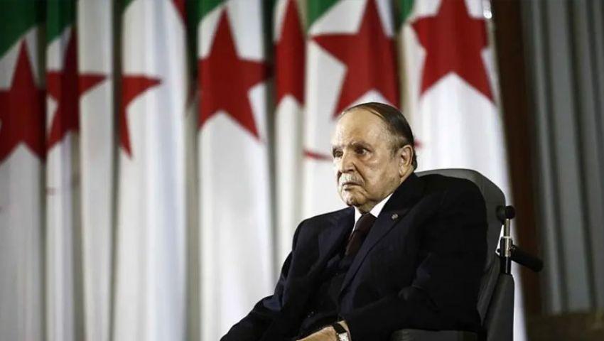 احتفظ بوزارة الدفاع وأبقى على قايد صالح.. بوتفليقة يعلن تشكيل حكومة تصريف أعمال