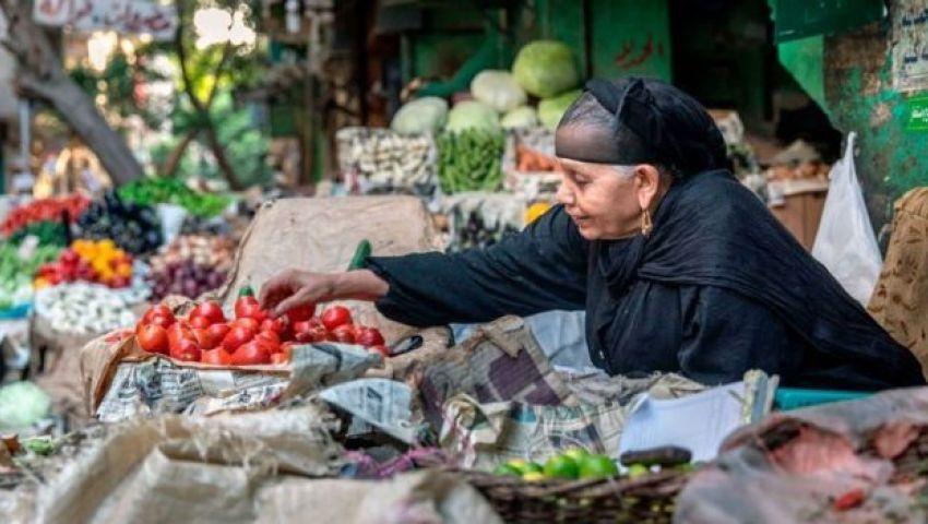 الفقر يزداد  في مصر.. كيف تخطط الحكومة للقضاء عليه؟