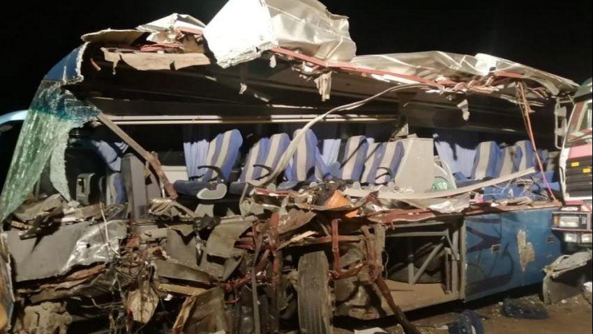 صور  المقاعد طارت ومصرع 9 ركاب.. تفاصيل حادث أتوبيس السويس