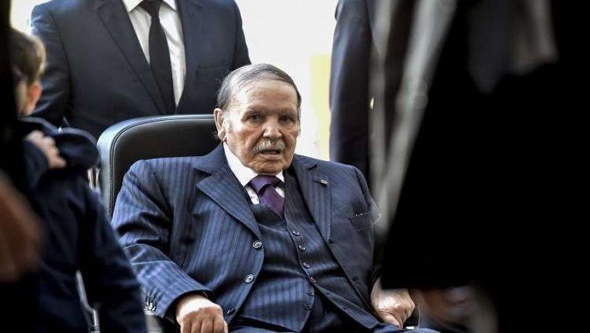 رغم الاحتجاجات.. بوتفليقة يقدم أوراق ترشحه 3 مارس
