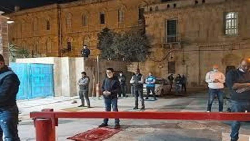 رغم إجراءات الاحتلال.. صلاة التراويح «تنتشر» في ساحات القدس