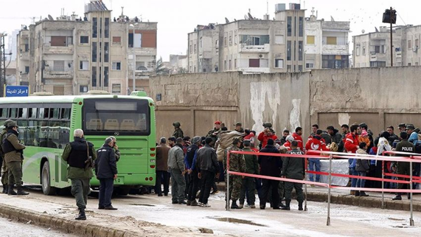سوريا.. تأجيل إجلاء الدفعة الثانية من مهجري حي الوعر بحمص